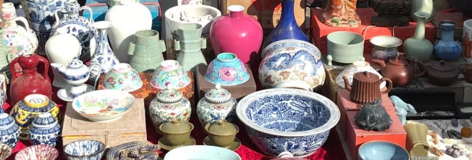 Kommen te koop op de Panjiayuanmarkt